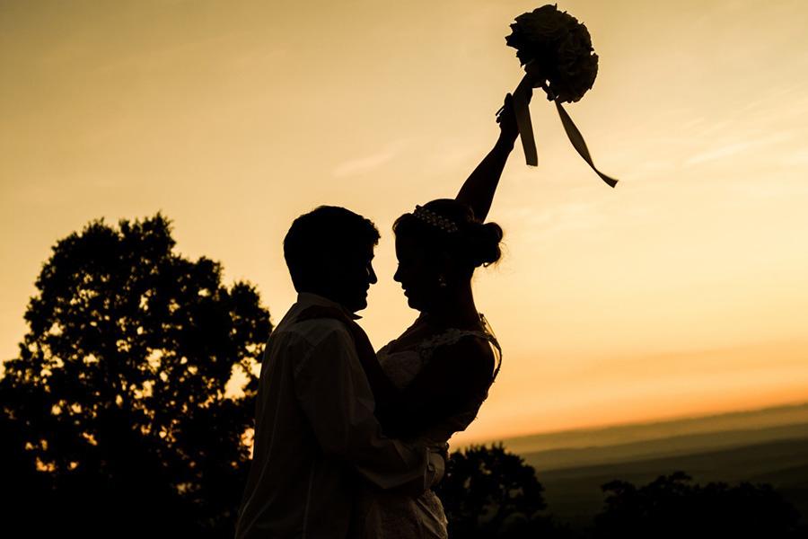 Mơ thấy mình cưới chồng phải chăng là báo hiệu cuộc sống gia đình trong tương lai?