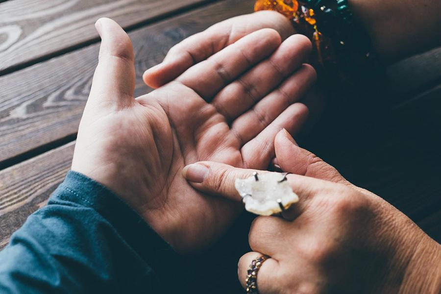 Đường tình duyên tiết lộ mối lương duyên tiền định của con người